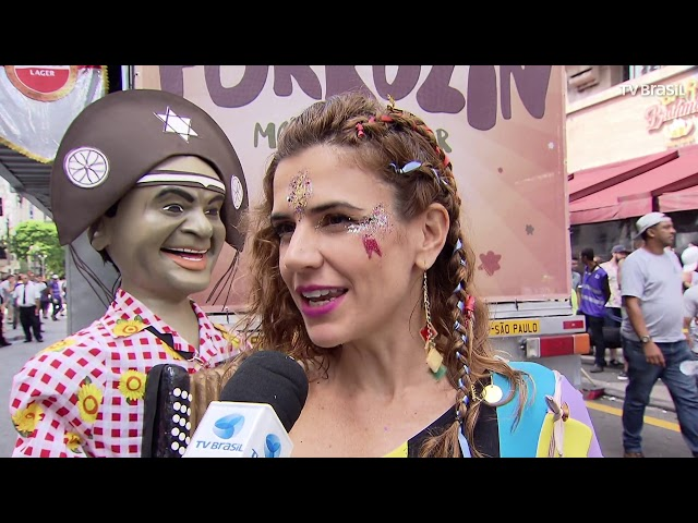 Blocos de rua agitam Carnaval em São Paulo