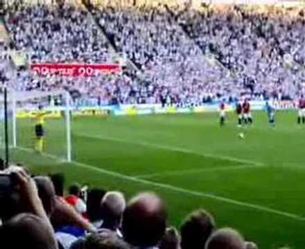 Kevin Doyle scores against Man Utd