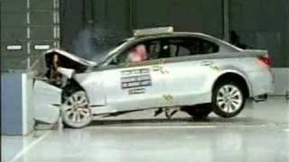 Crash Test of  2004 - 2008  BMW 545 i  IIHS (Frontal Impact)