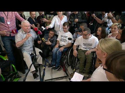 """Wa  sa exprime """"Solidarno  """" para com deficientes polacos"""