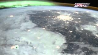 Российские космонавты опубликовали снимок Москвы иПетербурга под северным сиянием