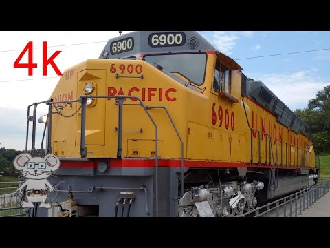"Worlds Largest Diesel-electric Locomotive ""Centennial"" in 4K"