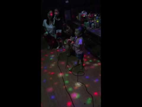 Thỏ hát karaoke hd