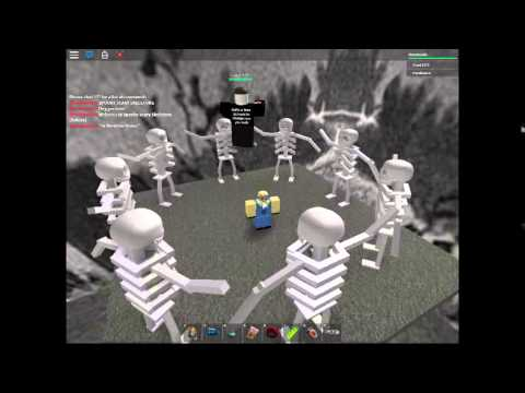 Roblox Spooky Scary Skeletons D Youtube