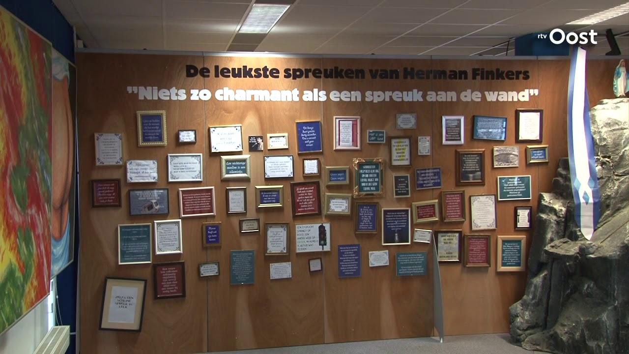 Tegeltjes Uitspraken Herman Finkers Populair In Museum Almelo