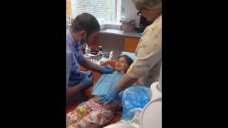 Удаления зуба, без анастезии(Детская клиника Африка., 2015-05-26T22:17:59.000Z)
