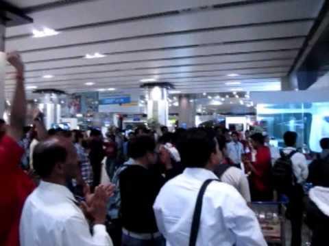 Cricket World Cup Final Moments at Mumbai Airport