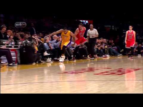 Kevin Harlan hit in the face during Los Angeles Chicago (1-29-15)