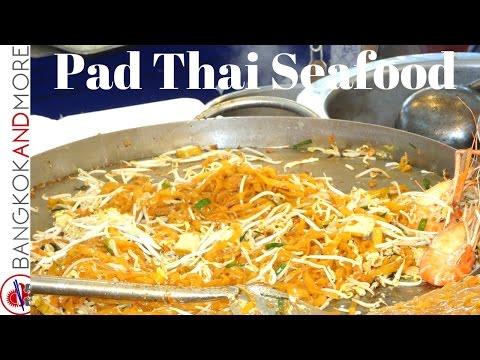 Pad Thai with Seafood @ Central World Plaza Bangkok
