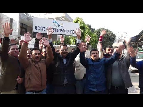 Engineers protest against posting of Chief engineer Baglihar project
