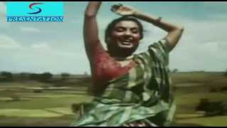 Aaj Mere Man Mein Sakhi Bansuri Bajaye - Lata Mangeshkar - AAN - Dilip Kumar,Nimmi,Premnath,Nadira