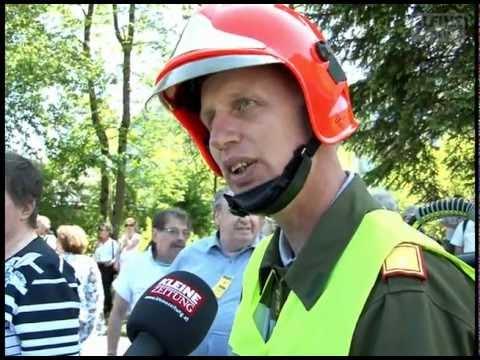 Narzissenfest: Auch die Feuerwehr trägt Narzissen