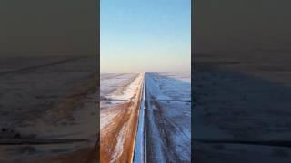 شاهد.. قطار سار يشق طريقه وسط الثلوجشاركنا برأيك