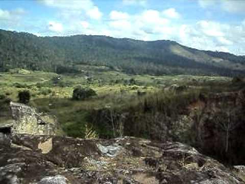 Apresenta o vende se jazida de granito azulbahia youtube for Como se vende el granito