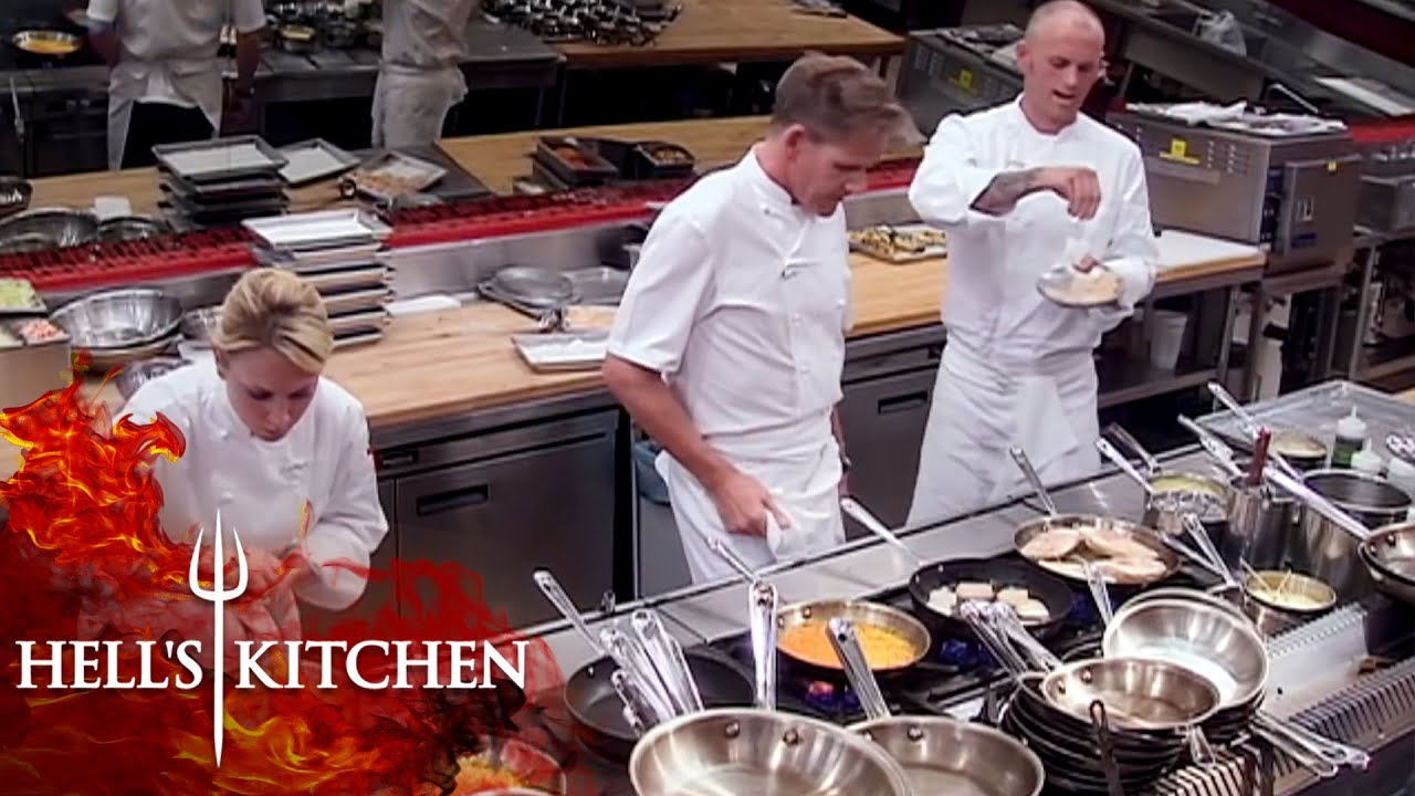 Download Gordon Ramsay Cooking On Hell's Kitchen