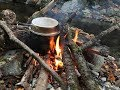 ソロキャンプ 晩秋の渓で焚き火を楽しむ の動画、YouTube動画。