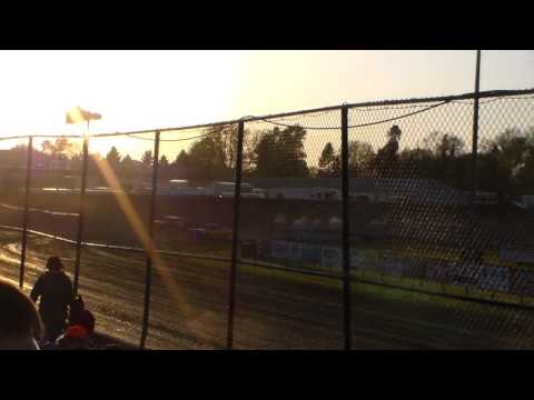 Vintage Car Heat 1 @ Marshalltown Speedway 05/05/17