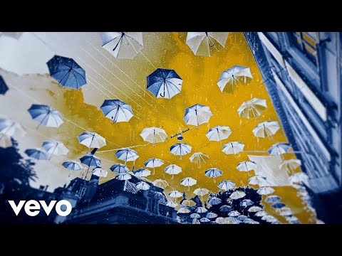Hard Lights, Moonshine & Marnik - Umbrella mp3 baixar