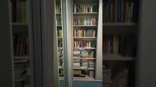 Новый книжный шкаф перекосило после полного заполнения полок книгами