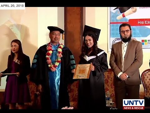 772bcb29801 25 household workers obtain college degree through CHED s distance learning  program