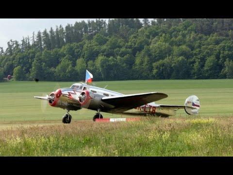 Lockheed 10A Electra landing