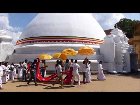 The Puja in Kelaniya Raja Maha Vihara (Buddhist temple) near Colombo. Sri Lanka
