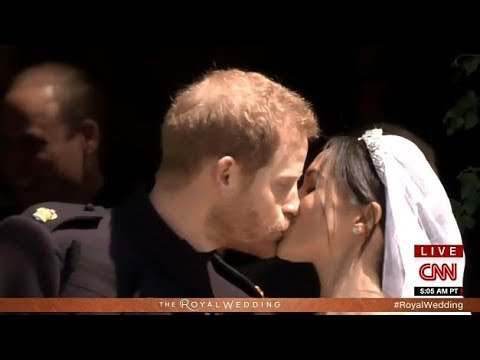 Meghan & Harry ...Duke & Dutches Of Sussex 1st Public Kiss