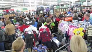 Walmart chaos on a Black Friday Sales