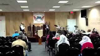 La Iglecia de Dios inc.:Presenta al Evangelista::Julio Delgado