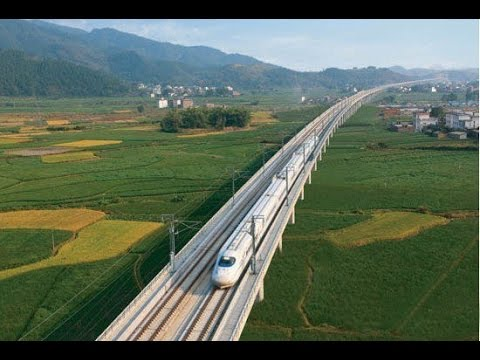 High speed railway links tourist attractions From Guiyang to Guangzhou