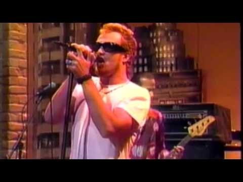 Stone Temple Pilots - Wicked Garden (live Letterman)