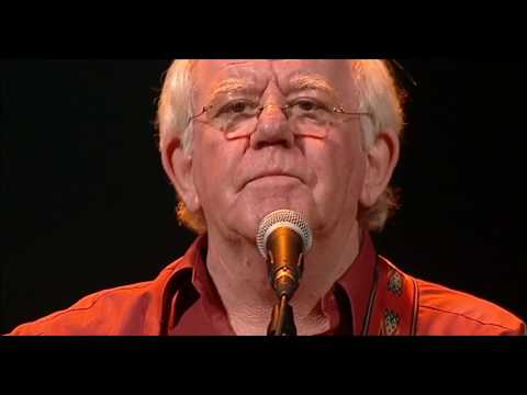The Town I Loved So Well - The Dubliners (40 Years - Live From The Gaiety)