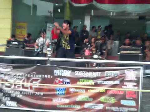 Senses Of Beauty - Kehampaan Dalam Jiwa [ Live AT Bandung Trade Mall ].mp4.mp4