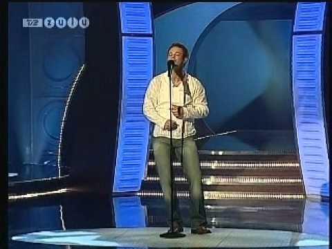 Anders Gøttsch synger
