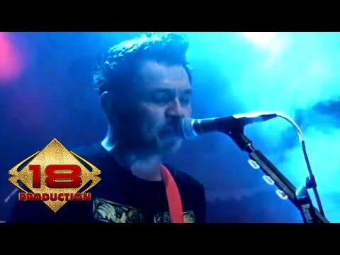 Superman Is Dead - Kita Adalah Belati (Live Konser Malang 1 April 2013)