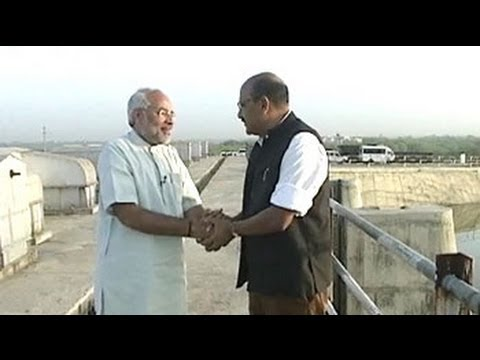 Walk The Talk: Narendra Modi (Aired: April 2004)