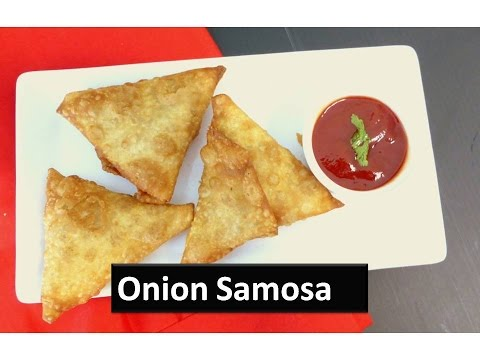 Triangle onion samosa recipe in Tamil | Crunchy and crispy evening snack | Deepstamilkitchen