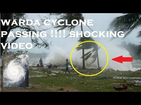 VIRAL VIDEOS VARDAH 120KM./ HR.  MAJOR  CYCLONE APPROACHES TAMILNADU COAST CHENNAI NELLUR  WEATHE
