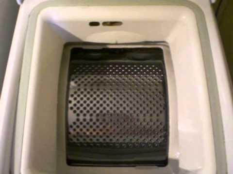 Lavatrice fagor carica dall 39 alto a coperchio aperto for Lavatrice con carica dall alto