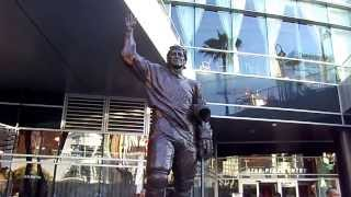 Staples Center Statues