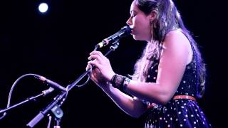 "Sarah Jarosz   ""Simple Twist of Fate"" - Live At The Troubadour"
