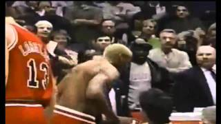Repeat youtube video Dennis Rodman headbutts the referee.