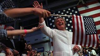 هلاري كلينتون تصف ترشيحها للانتخابات الرئاسية بالحدث التاريخي