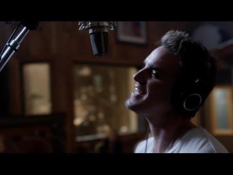 Riley Smith Markus Sings