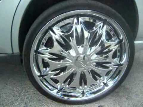 3 Chevy Impala´s on 24s and Lambo Butterfly Doors