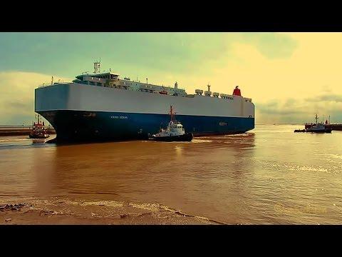 car carrier VIKING OCEAN 9V8008 IMO 9514999 inbound Emden assistence 3 tugs timelapse