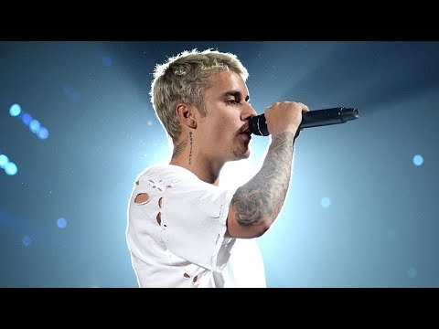 Justin Bieber Reveals HUGE New Torso Tattoo & Fans Are NOT Happy