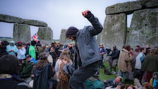 video: Watch: Crowds defy advice not to gather at Stonehenge for Summer Solstice