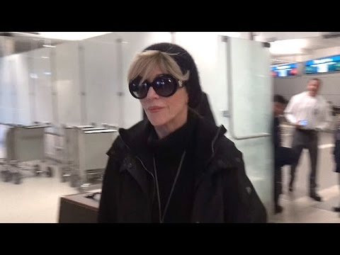 Jane Fonda Dressed All BLack At LAX After Apologizing To Vietnam Vets In Maryland