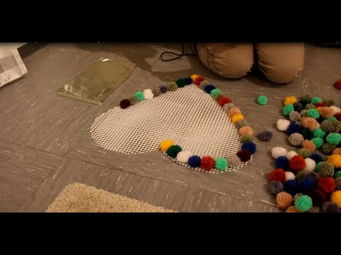 diy pompon bommel teppich selber machen pompon bobble carpet tutorial youtube. Black Bedroom Furniture Sets. Home Design Ideas